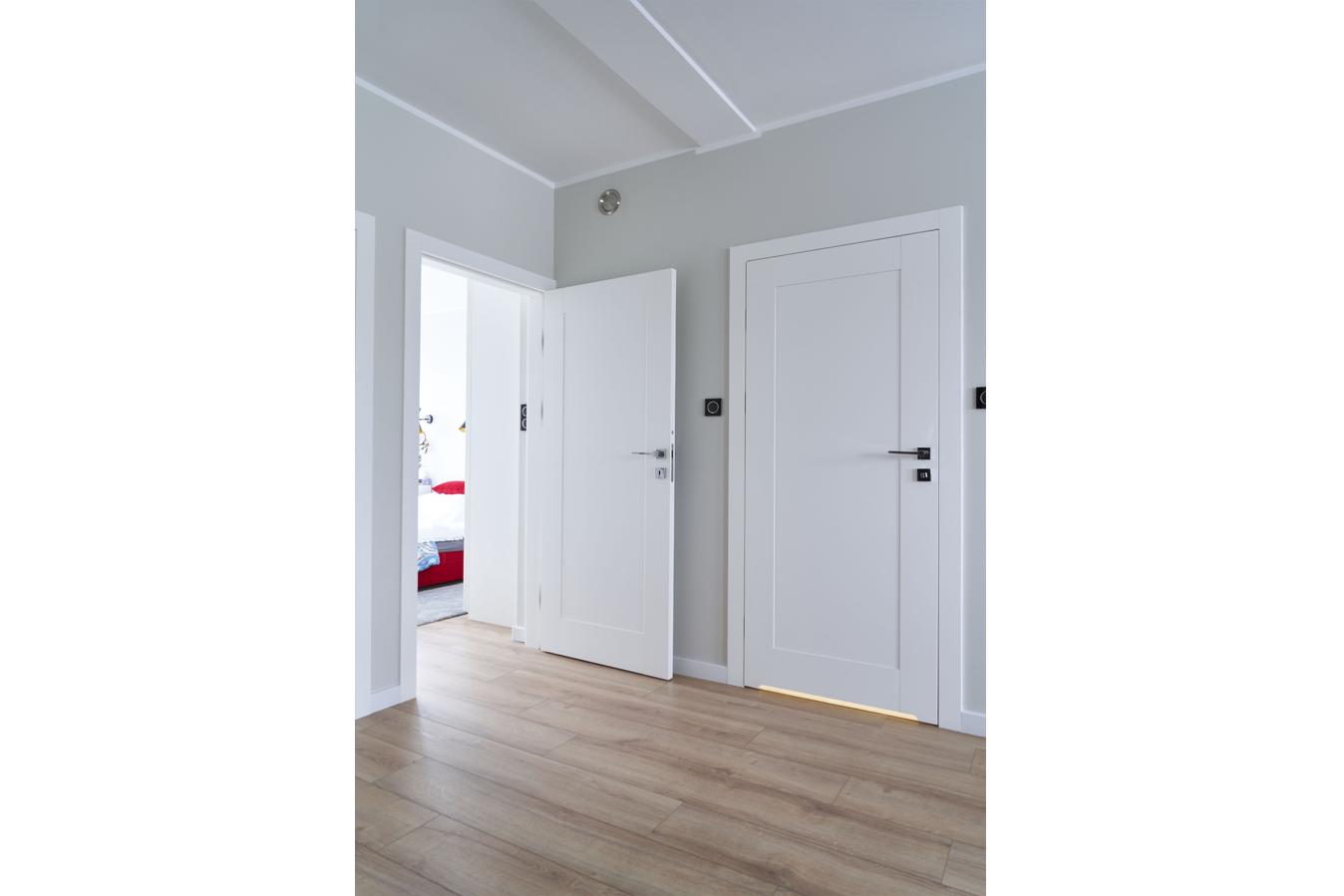 Mieszkanie w Gdyni_drzwi drewniane LOGGIA_2