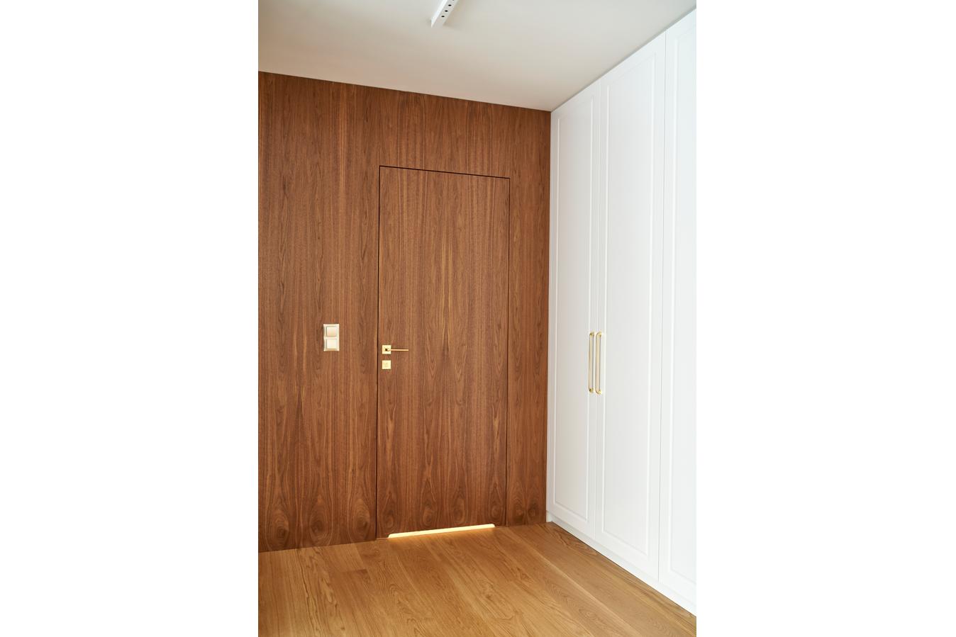 Drzwi wewnętrzne PŁASKIE w naturalnym fornirze