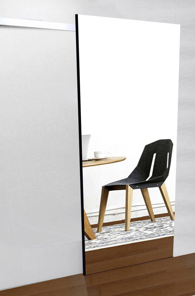 Drzwi wewnętrzne z lustrem na całej powierzchni z systemem przesuwnym DIVA.
